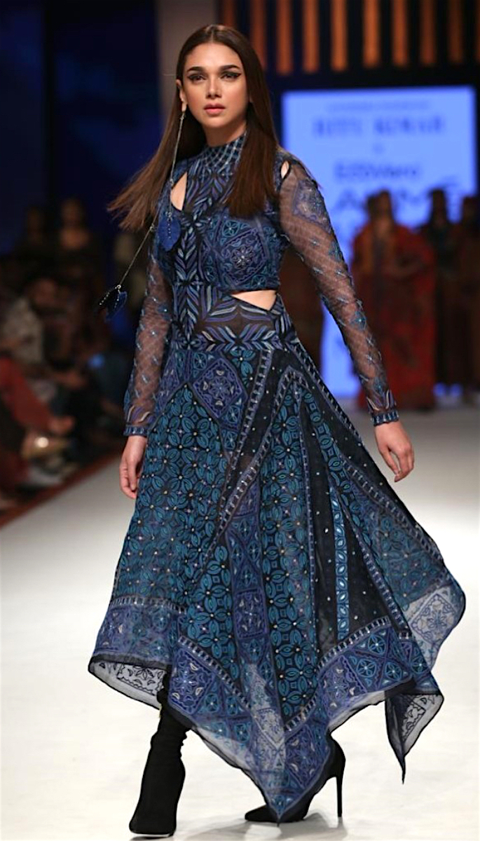 Bollywood Stars Walk the Ramp at Lakme Fashion Week 2020 - aditi-2