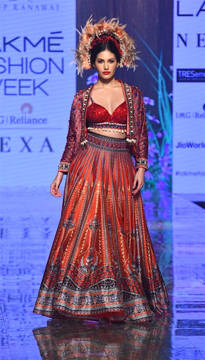 Bollywood Stars Walk the Ramp at Lakme Fashion Week 2020 - amyra