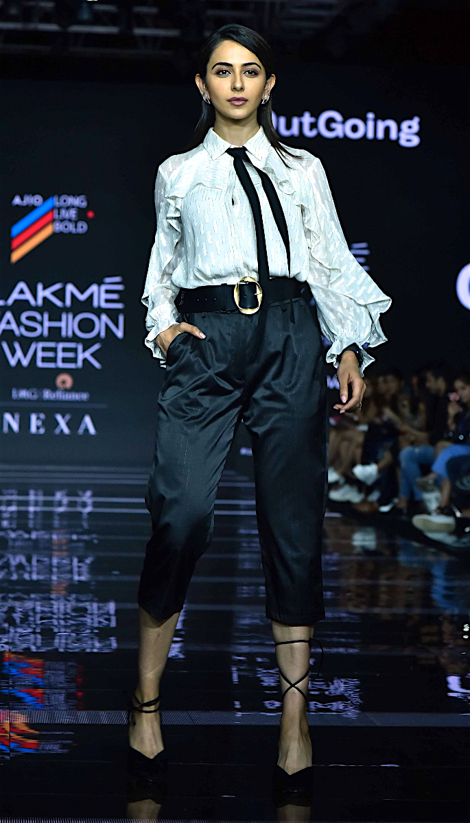 Bollywood Stars Walk the Ramp at Lakme Fashion Week 2020 - rakul
