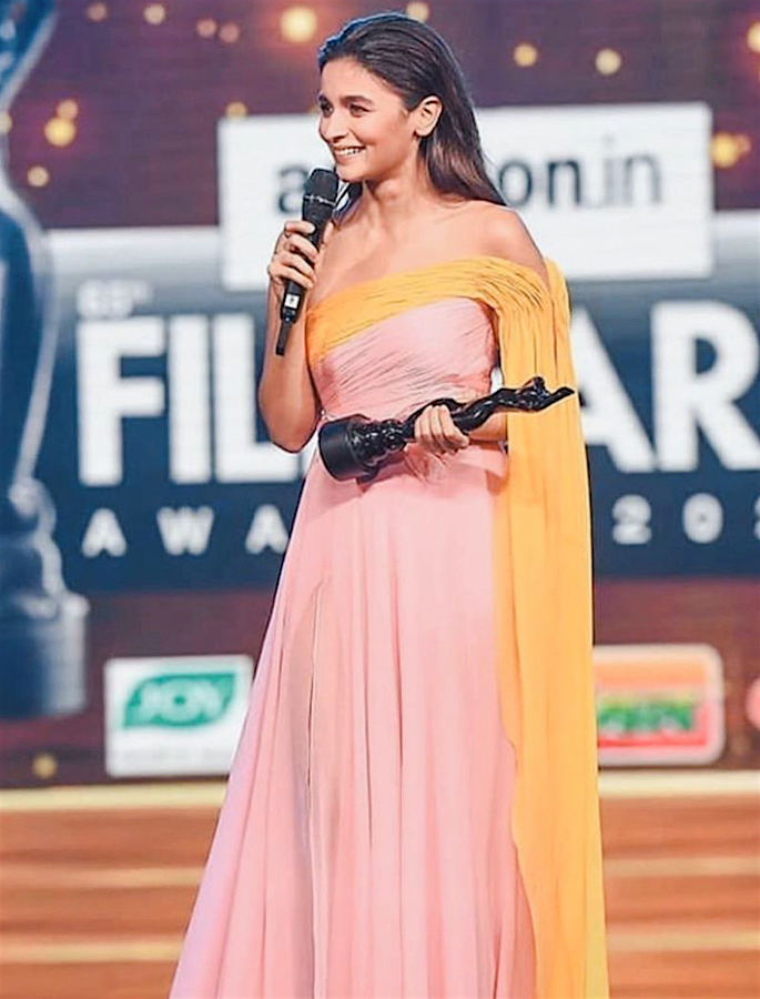 Filmfare Awards 2020 Winners List - alia-2