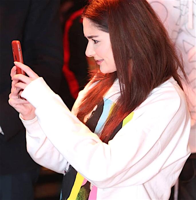 Hanna Amir attends Her Rumoured Boyfriend Asim concert - phone