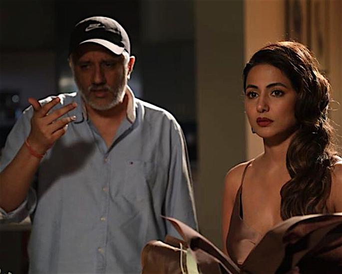 حنا خان نے اپنے اسٹاکر آرڈیئل کی بابت کھولی - اسے ہیک کیا گیا