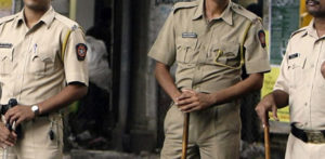 Indian Woman living with Lover strangled with Mobile Wire f