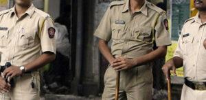प्रेमी के साथ रहने वाली भारतीय महिला ने मोबाइल वायर के साथ गला घोंट दिया