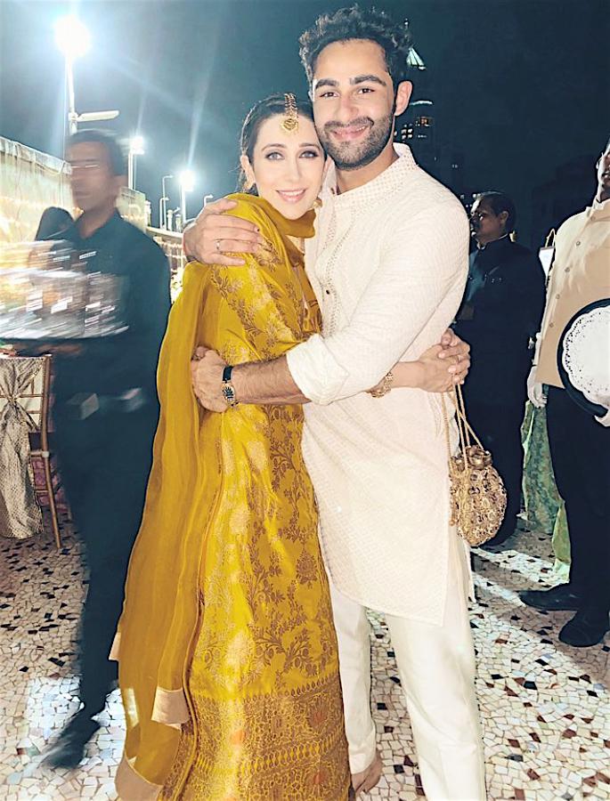 Kapoors turn Baraatis for cousin Armaan Jain's Wedding - hug