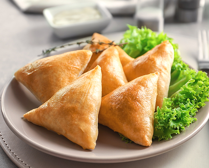 Top Indian Wedding Dishes Loved by Guests - samosa