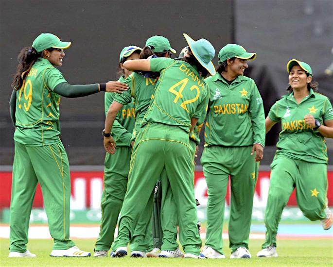 Why do Pakistani Girls love Cricket? - women