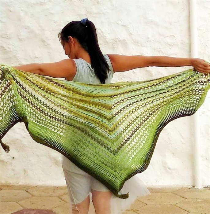 15 Best Shawls and Wraps to Warm Up your Style - embossed