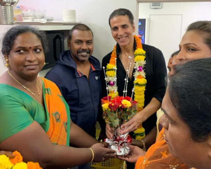 Akshay donates Rs 1.5 Crore to first Transgender Home in India - akshay