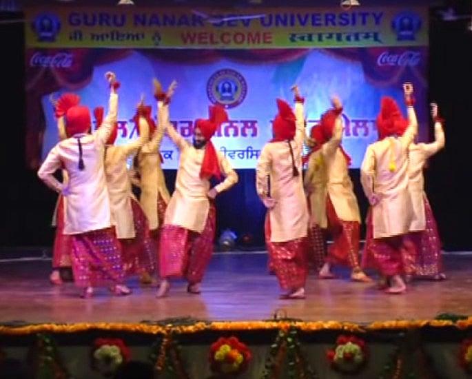 5 Traditional Bhangra Folk Dances - IA 3