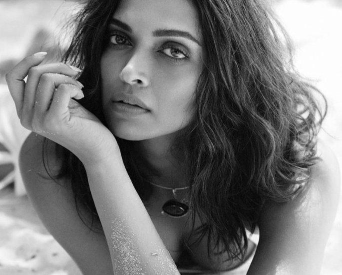 Deepika Padukone says 'Sex is not just physicality' - beach