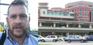 Pakistani Airport Officer took Bribe from Australian Journalist f