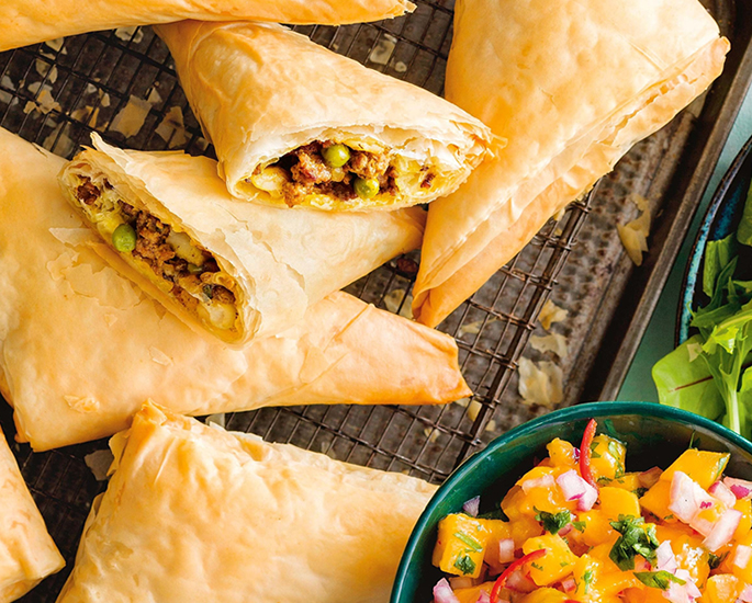 Popular Meat-Based Indian Street Foods to Try - samosa