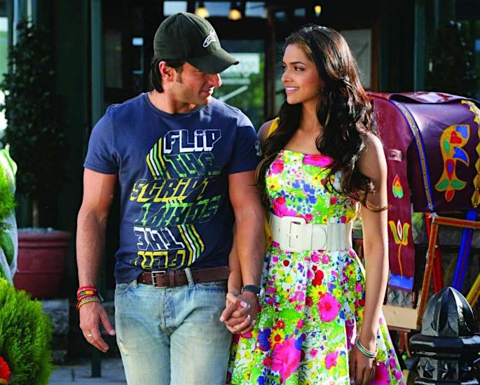 Saif says 'A little bit of Teasing is Good' for daughter Sara - deepika