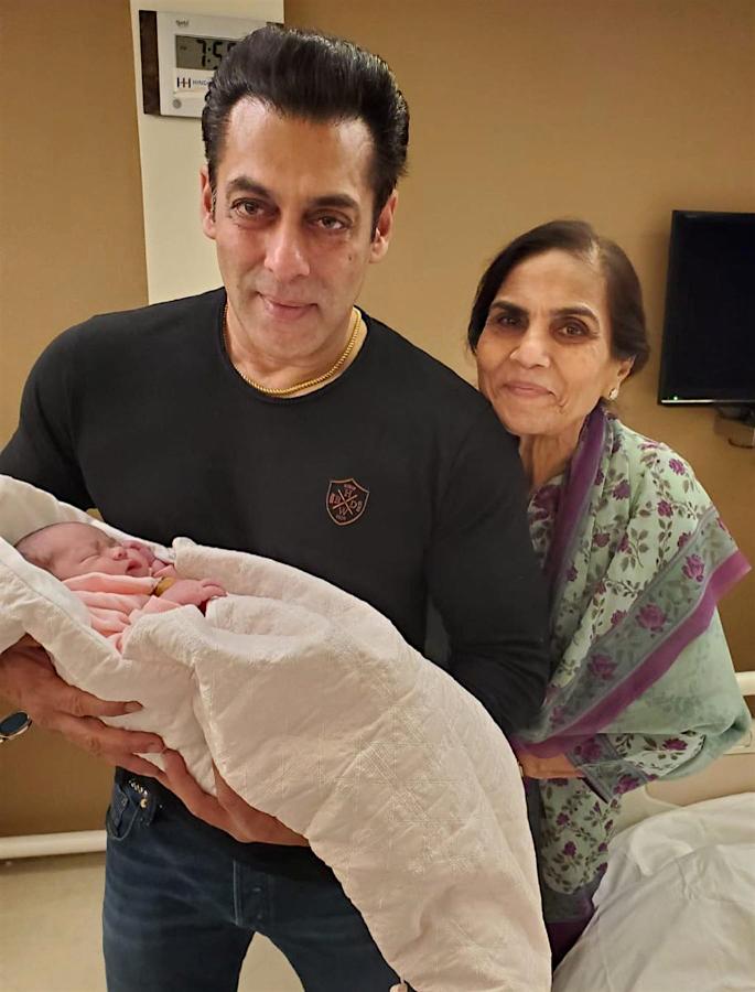 Salman Khan dotes on baby niece Ayat with Kisses - salman