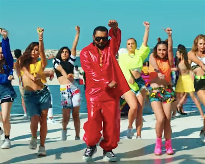 Yo Yo Honey Singh smash 'LOCA' garners over 48m Views - dance