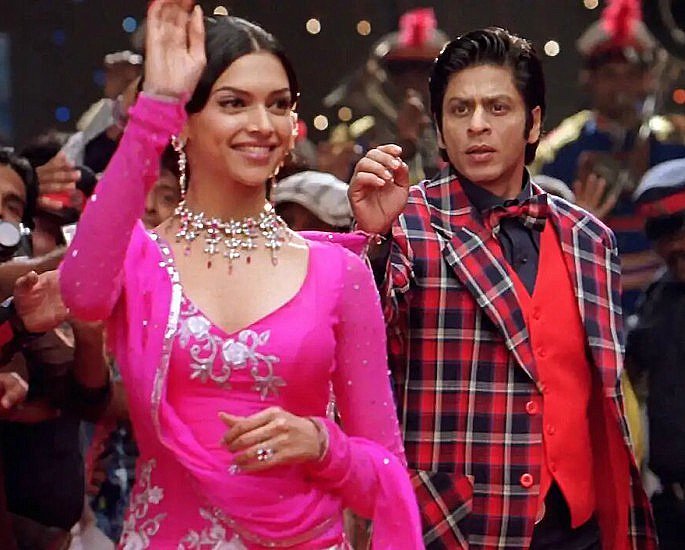 22 Best Bollywood Songs for a Bride & Groom First Dance - IA 16