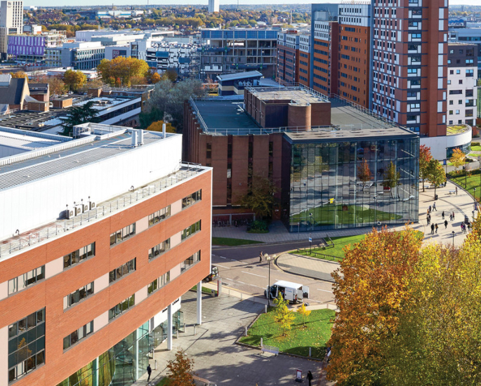 Carriere e supporto alla Aston University per studenti BAME - campus