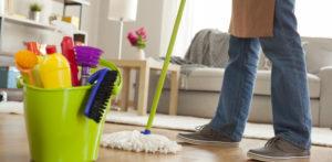 કેવી રીતે વાયરસ દરમિયાન તમારા ઘરને સાફ અને જંતુનાશક કરવું એફ