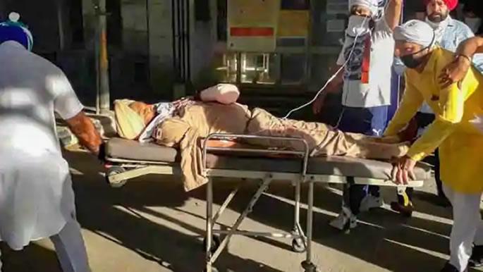 Nihang Sikhs attack Punjab Police & Cut-Off Officer's Hand - ASI