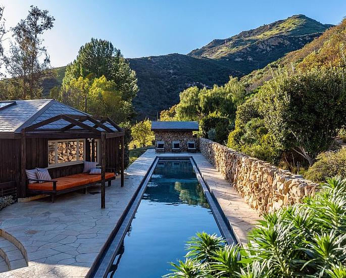 Prince Harry & Meghan buy Mel Gibson's $15m Mansion 3