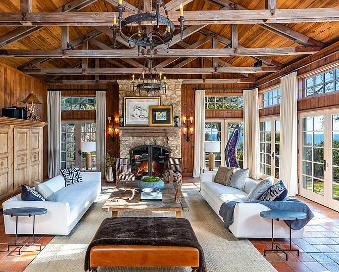 Prince Harry & Meghan buy Mel Gibson's $15m Mansion 5