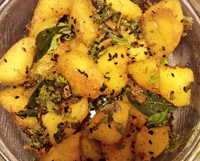 10 Best Pakistani Savoury Dishes to Make at Home - aloo