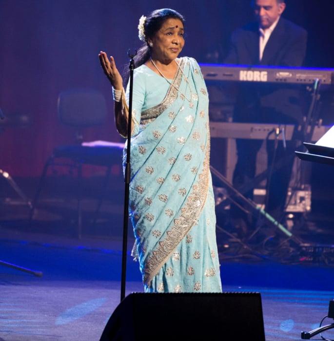Asha Bhosle reveals she would have Eloped with Helen - asha