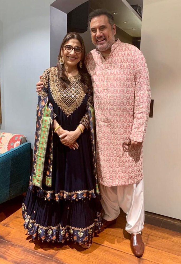 Boman Irani admits his proposal to Wife would be considered Bonkers - couple2