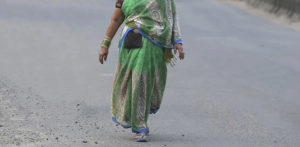 Indian Wife walked 40 Days to meet Husband after Row f