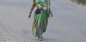 भारतीय पत्नी, रो एफ के बाद पति से मिलने के लिए 40 दिन चली