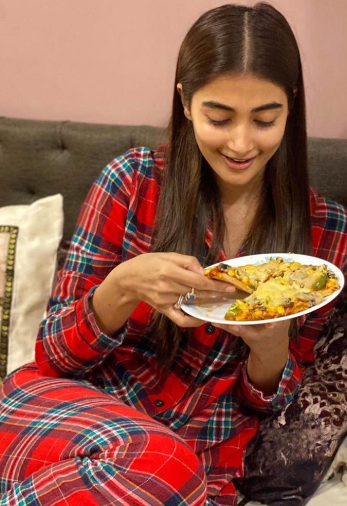 पूजा हेगड़े कहती हैं कि लॉकडाउन के दौरान वह 'उपदेश' नहीं हैं - भोजन