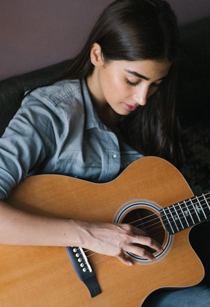 Pooja Hegde says She is not 'Preaching' during Lockdown - guitar