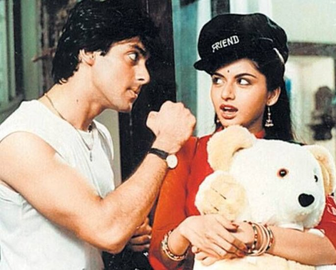 Salman was told to 'Catch and Smooch' actress Bhagyashree? - teddy