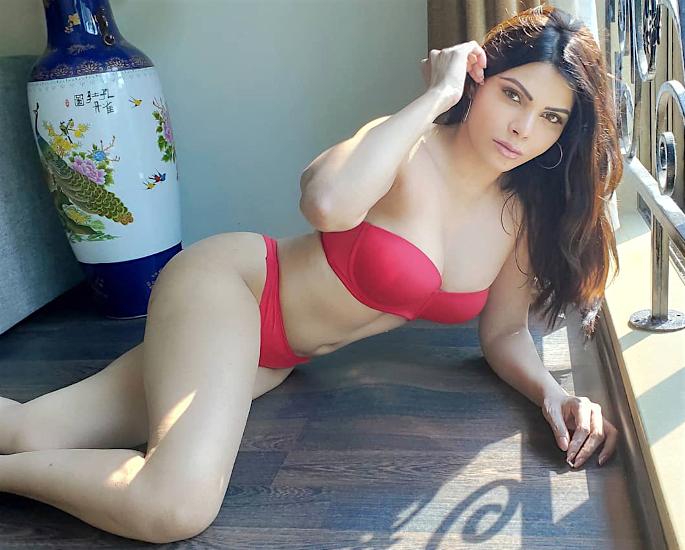 Sherlyn Chopra recalls Bollywood Casting Couch 'invites' - bikini