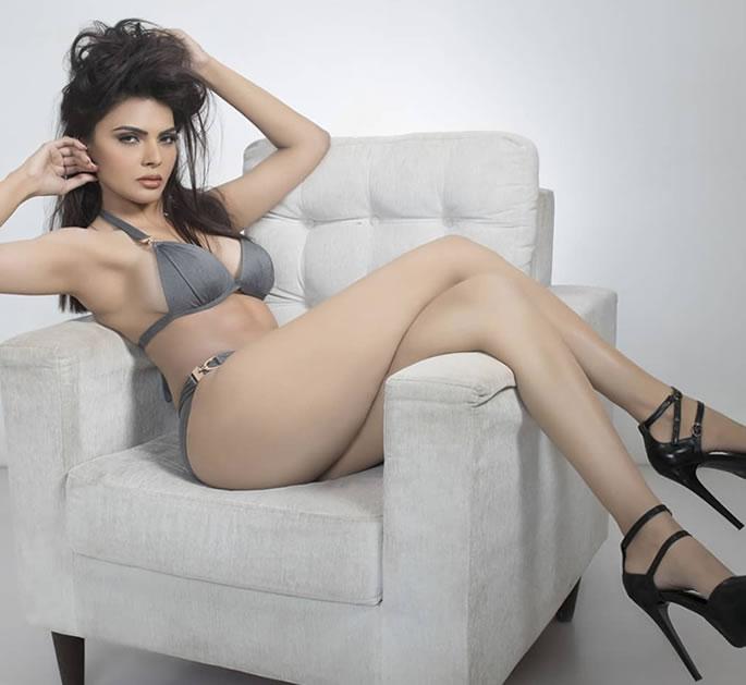 Sherlyn Chopra recalls Bollywood Casting Couch - sofa