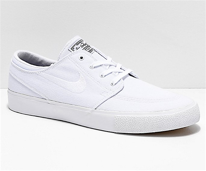 Sneakers to Wear with Salwar Kameez - nike