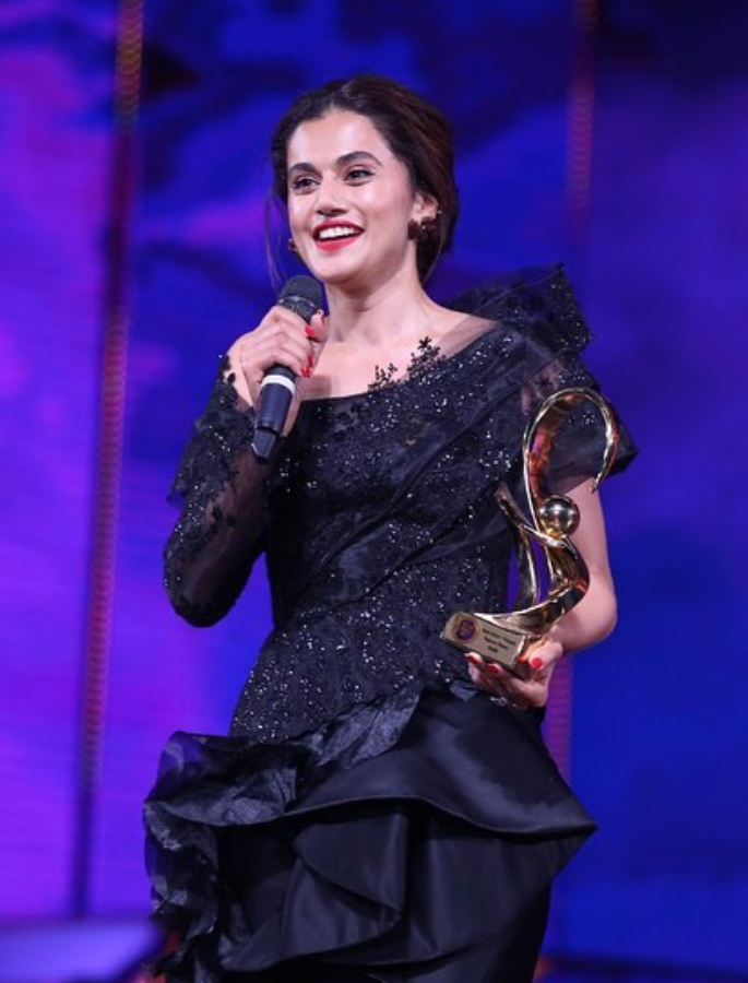 Taapsee Pannu not Under Pressure to Get Married? - award