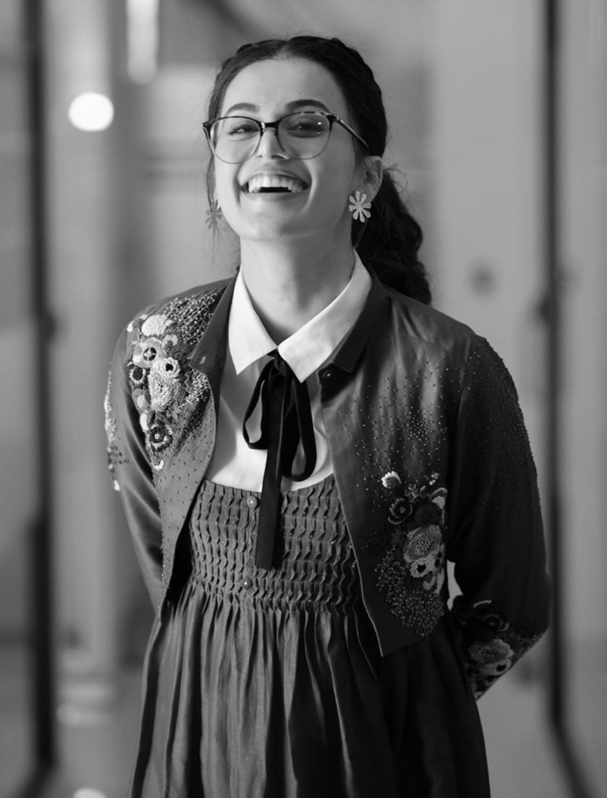 Taapsee Pannu not Under Pressure to Get Married? - smile