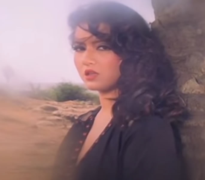 Where is Bold Scenes actress Jasmin from Veerana - scene