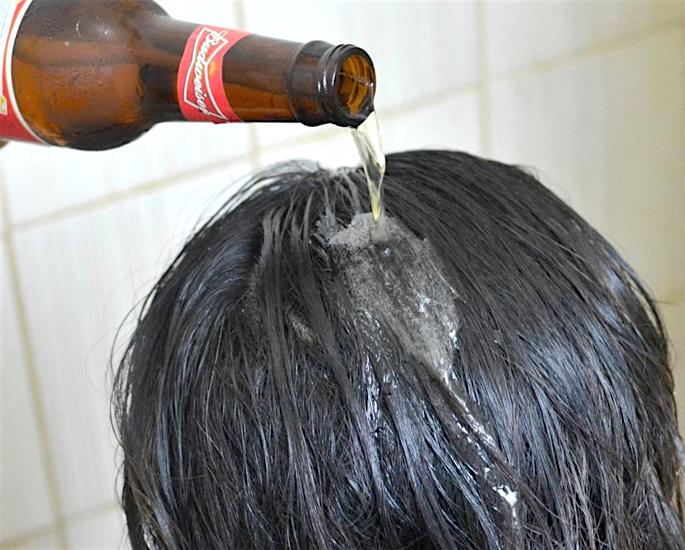 સ્વસ્થ વાળ માટે શ્રેષ્ઠ દેશી ઘરેલું ઉપાય - બીયર