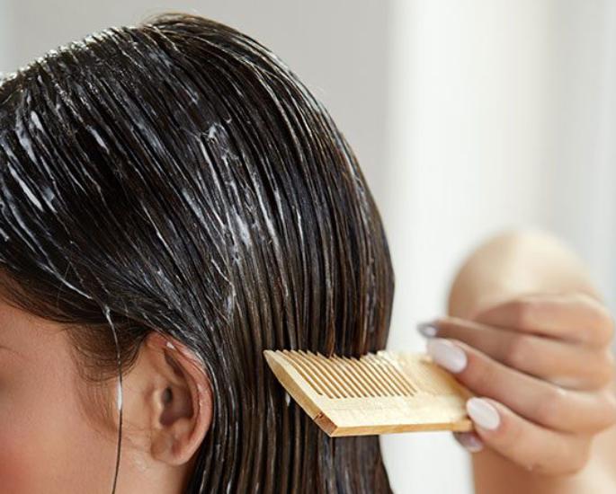 સ્વસ્થ વાળ માટે શ્રેષ્ઠ દેશી ઘરેલું ઉપાય - દહીં