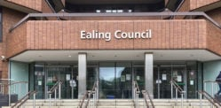 मकान मालिक अवैध बिल्डिंग डिमोलिशन के लिए काउंसिल £ 16k का बकाया है