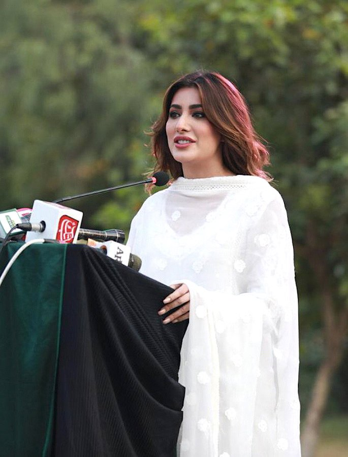 Mehwish Hayat: The Voice of the Nation 2028? - IA5