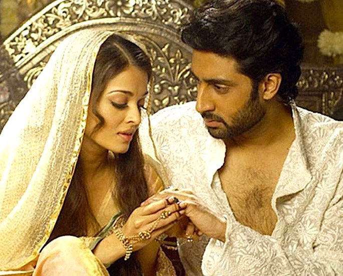 10 Bollywood Actresses Who had Lovers and Affairs - IA 25
