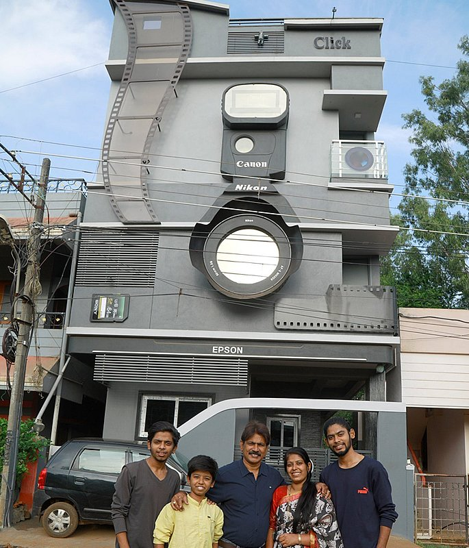 Indian Photographer builds Camera-shaped House