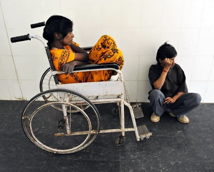 The Daily Plight for People with Disabilities in India - luggage