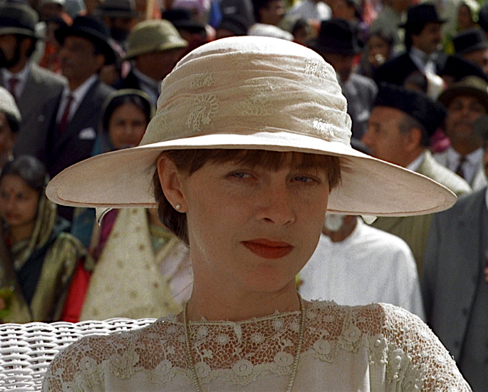 10 Hollywood Actresses who Filmed in India - judy davis