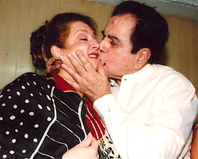 A Look at Saira Banu & Dilip Kumar's Love Story - couple3