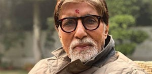 Amitabh Bachchan plays 'Guess the Film' with a Fan f